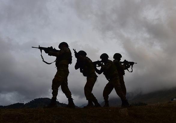 Курды начали отвод войск от границы с Турцией