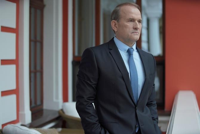 Известный французский политик солидарен с Медведчуком в вопросе урегулирования конфликта на Донбассе