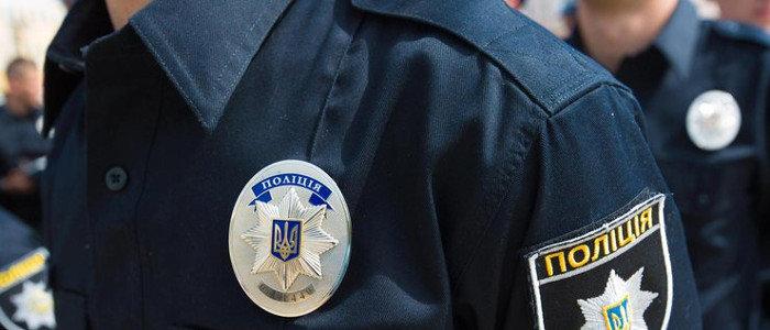 На Луганщине полиция разыскивает мать 3-летней девочки, которую она бросила на улице без присмотра