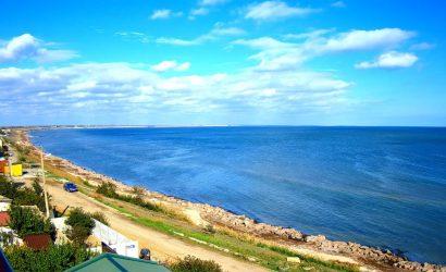 Арабатская Стрелка: на курорте Херсонщины запустили сеть пляжных веб-камер