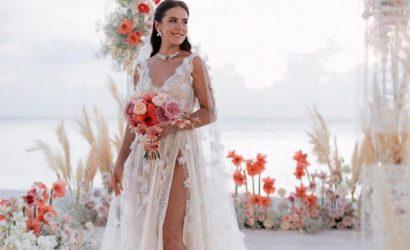 Онуфрийчук рассказала историю создания своего свадебного платья: Шилось дистанционно. Было много препятствий