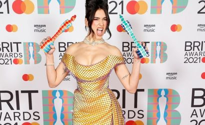 Красная дорожка Brit Awards: Дуа Липа в чулках, а Билли Портер в платье и ботфортах
