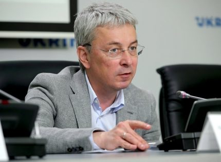 Министр культуры Ткаченко ответил телеведущей, которая обвинила его в расизме