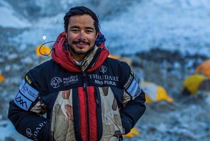 Непальский альпинист покорил 14 самых высоких гор в мире за 7 месяцев