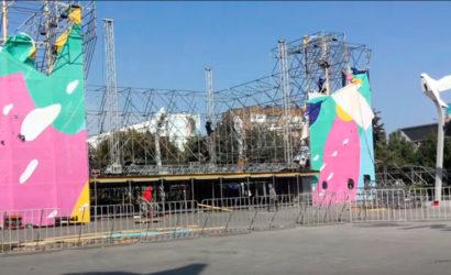 День города: В Мариуполе разбирают сцену – концерт Оли Поляковой отменили (Фото, видео)