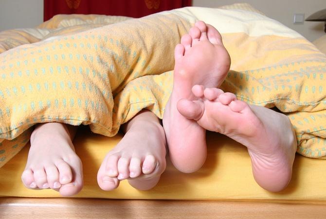 Грибок на ноге: причины, стадии, лечение и народные средства