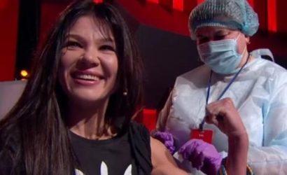 Руслана, Педан и Конюшок вакцинировались от коронавируса в прямом эфире