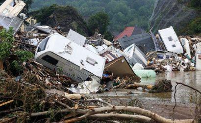 Бельгию снова накрыли мощные наводнения: потоки воды смывали автомобили