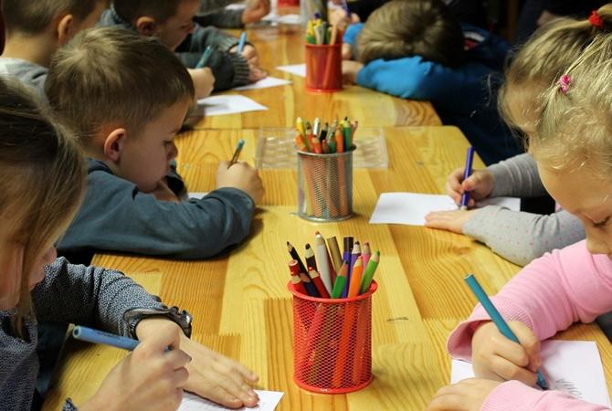 Депутаты проголосовали за то, чтобы дети ходили в ближайший к дому детский сад