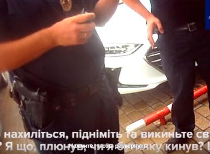 «Я вообще-то не свинья»: В Мариуполе мужчину оштрафовали на 1700 грн за брошенную мимо урны бумажку (Видео)