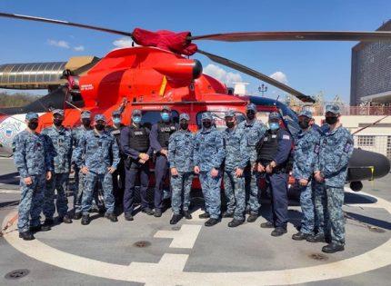 Катер Береговой охраны США в Одессе проводили концертом на вертолетной палубе