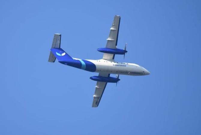 В Кении при вылете из аэропорта разбился пассажирский самолет